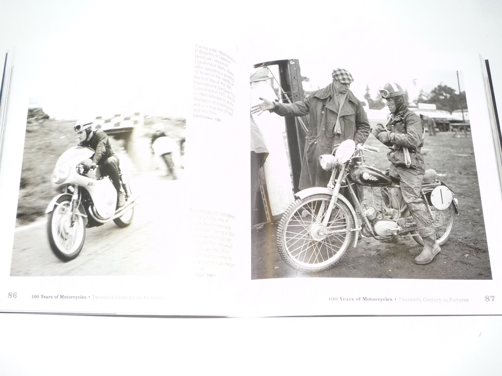 100 Years of Motorcycles . Twentieth Century In Pictures (Pemberthy 2010)  ...